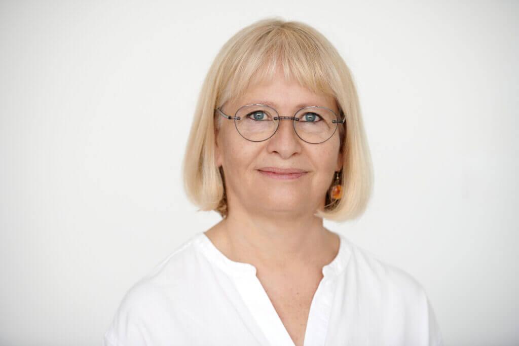 Augenarzt Nymphenburg, Birgit Reindl , Mitarbeiterin bei Roman Eyes im Münchner Stadtteil Nymphenburg